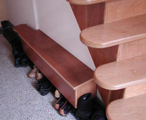 Renovatie van een hal een nieuwe trap en kapstok - Renovatie van een houten trap ...